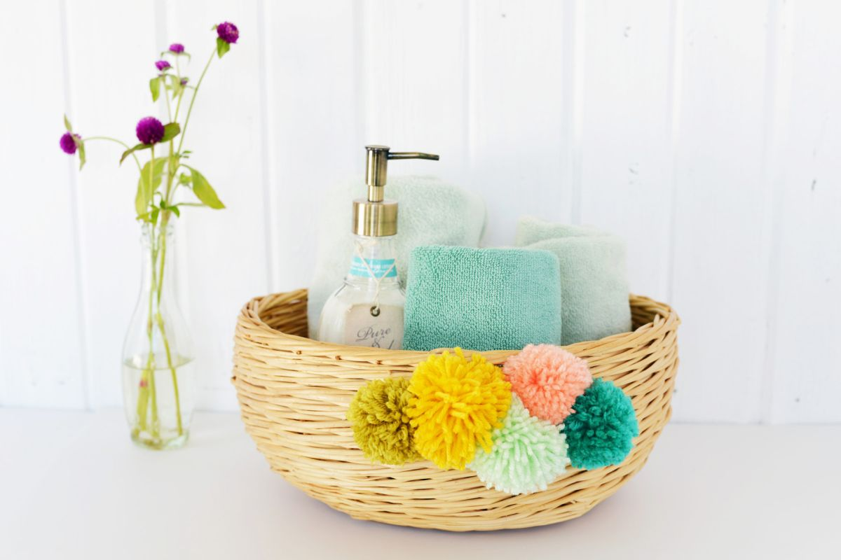 Bathroom DIY Pom Pom Basket