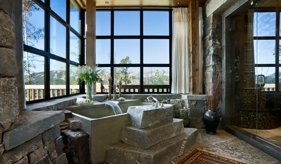 Große Steinstufen für die Badewanne