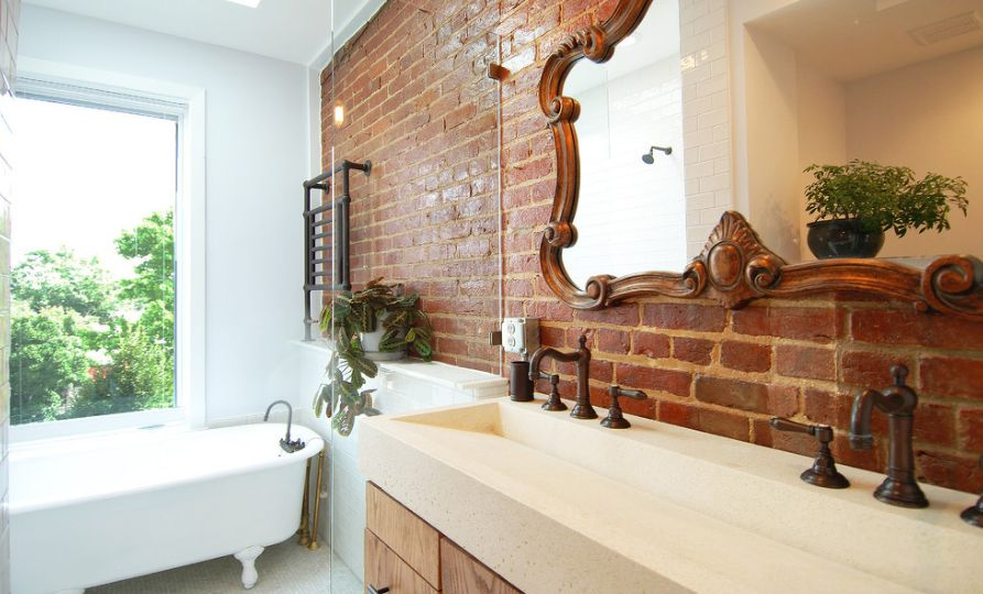 Attirant Bricks As Natural Element For Bathroom
