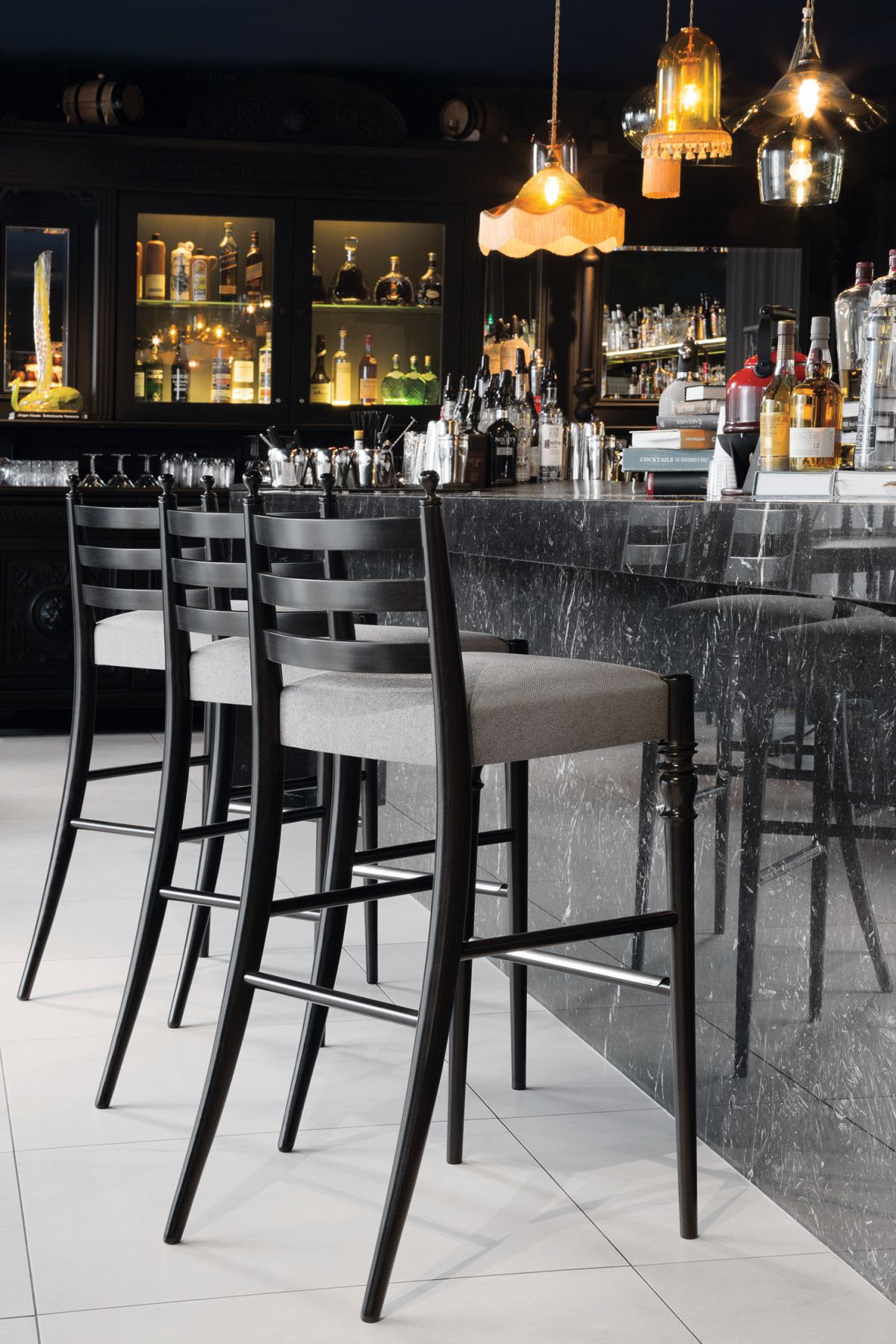 Stupendous Black And White Bar Stools How To Choose And Use Them Uwap Interior Chair Design Uwaporg