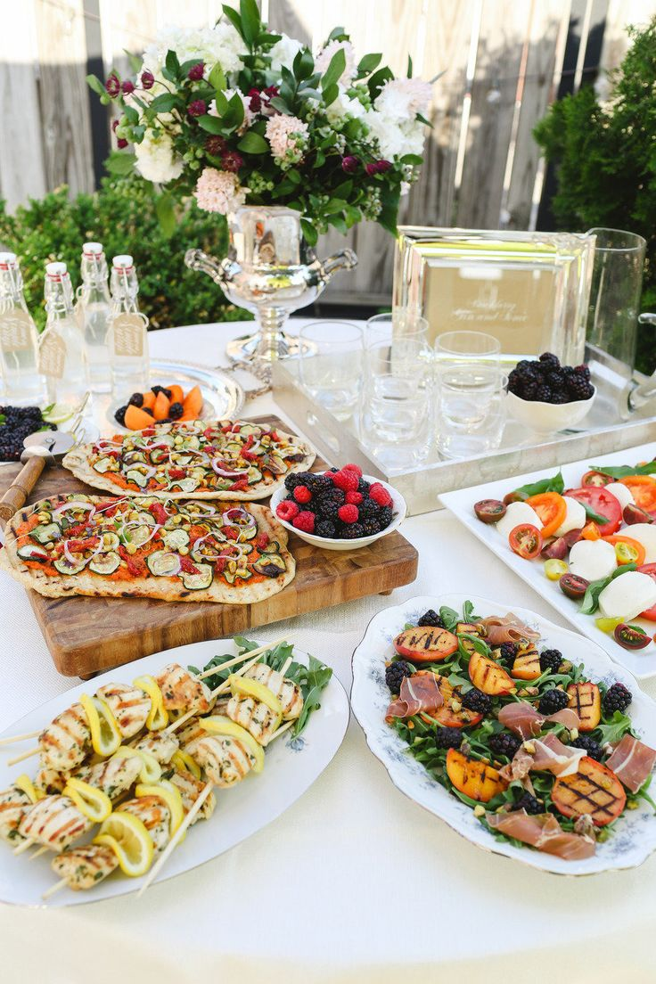 A guide to planning a housewarming party details quick for Best dinner party ideas