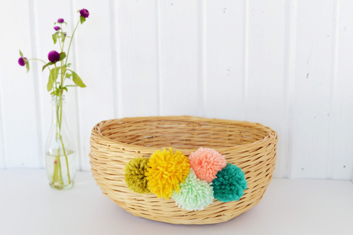 Cool DIY Pom Pom Basket