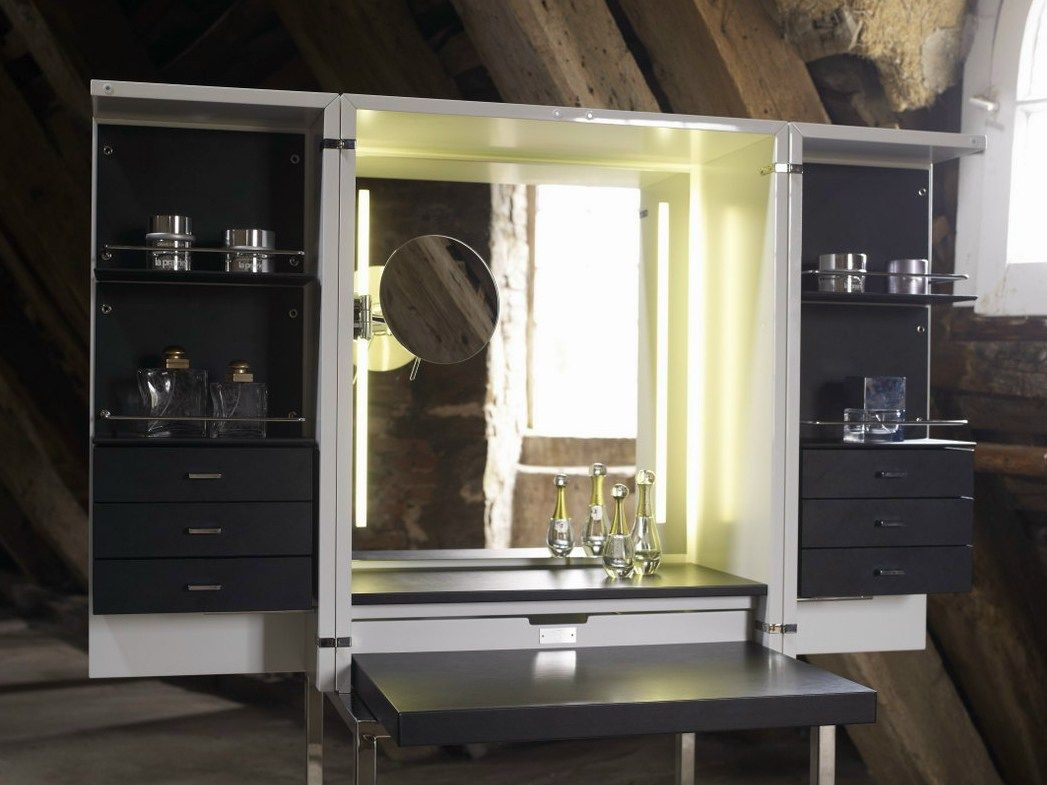 Dressing tables with mirrors reflect the beauty of the d cor Corner dressing table
