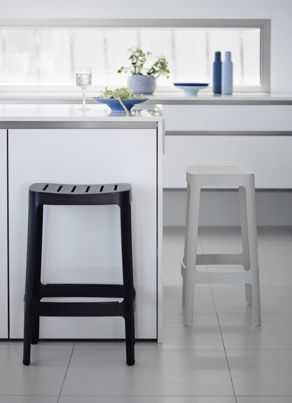 Black Bar Stool Designs