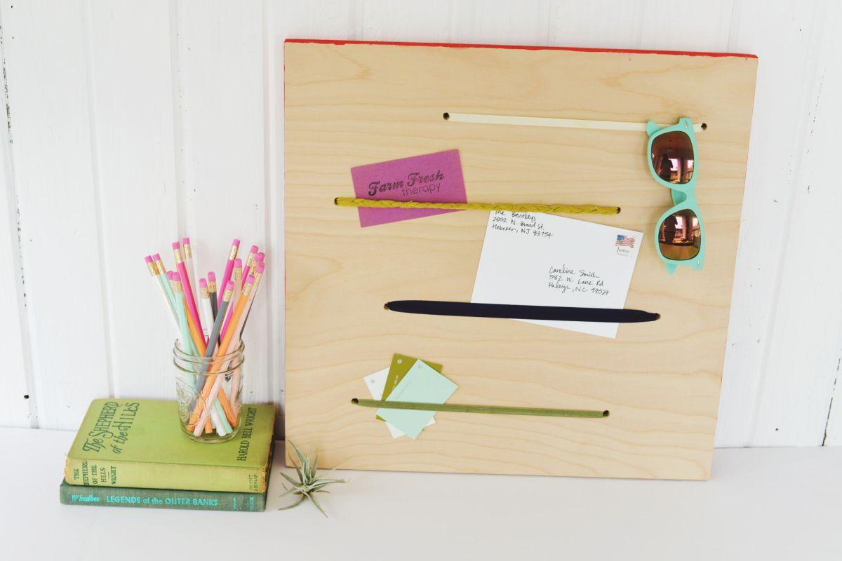 Elastic Memo Board DIY