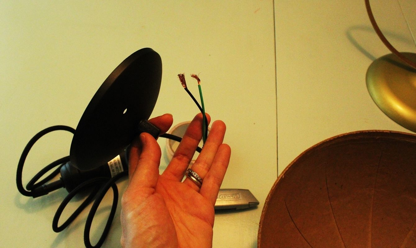 Globe light kit cords