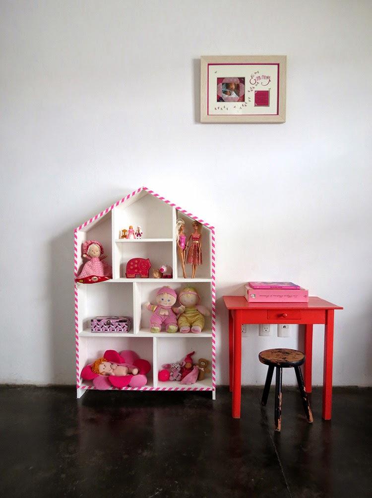 House doll shelf