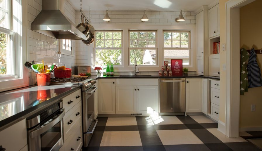 Kitchen Bolder pattern for floor