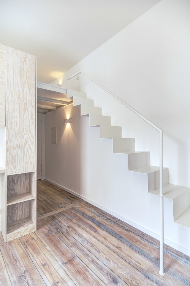 Micro Apartment in Moabit Spamroom Stairs