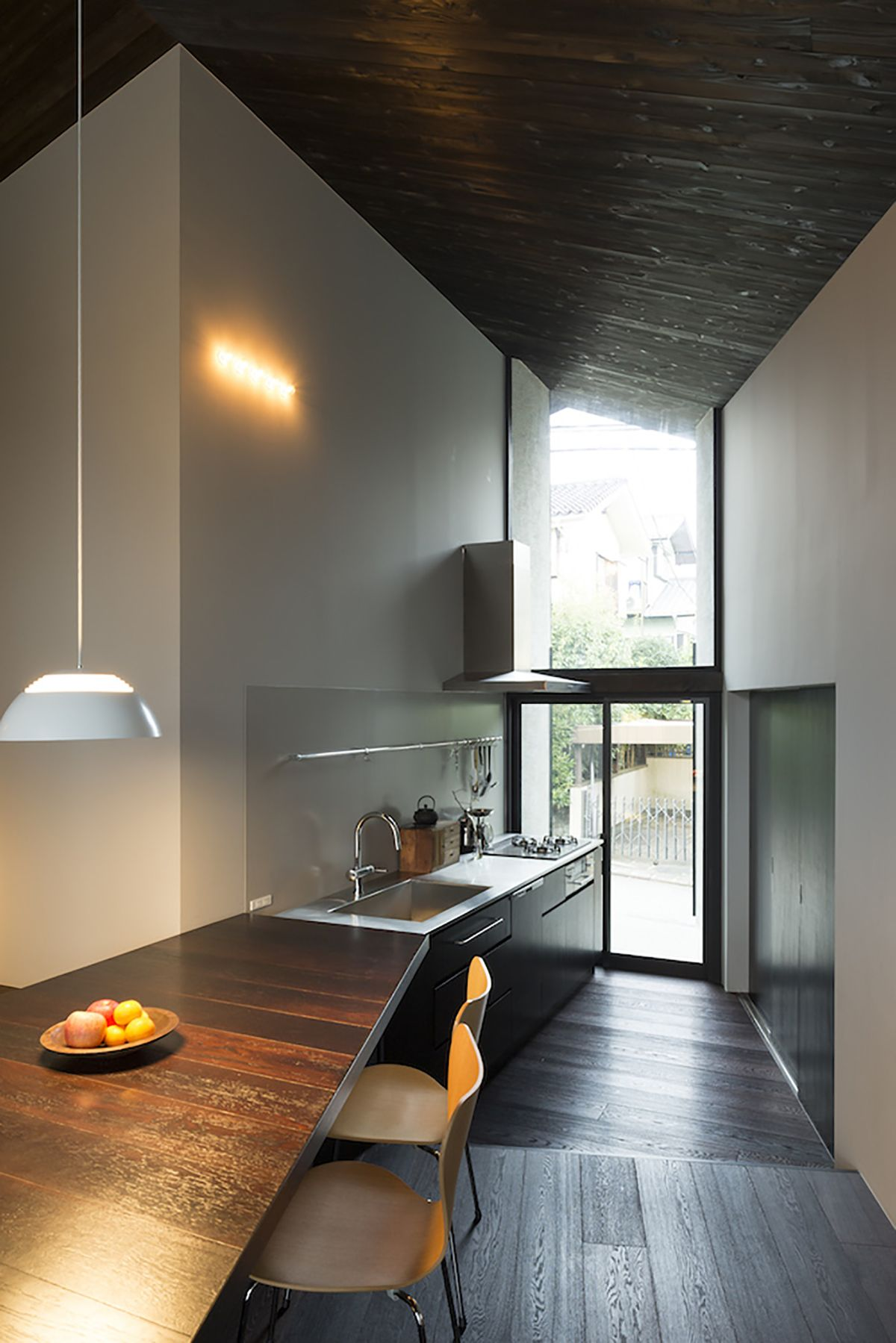 Narrow and angle kitchen design