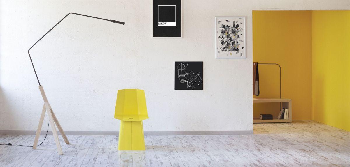 Noneli minimalist tripod floor lamp
