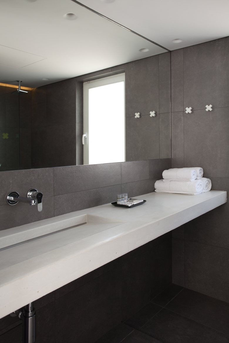 Relux Ios Island Hotel earthy bathroom color palette