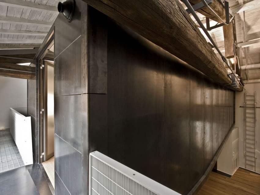 Rome stables converted into loft apartment metal tunnel