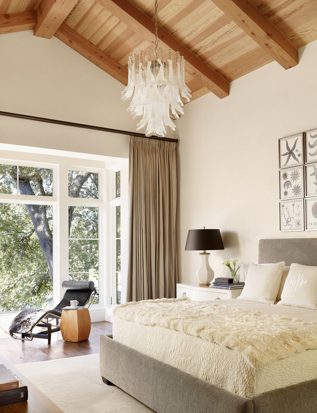 Serene master bedroom design