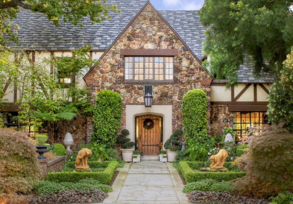 Tudor house curb appeal