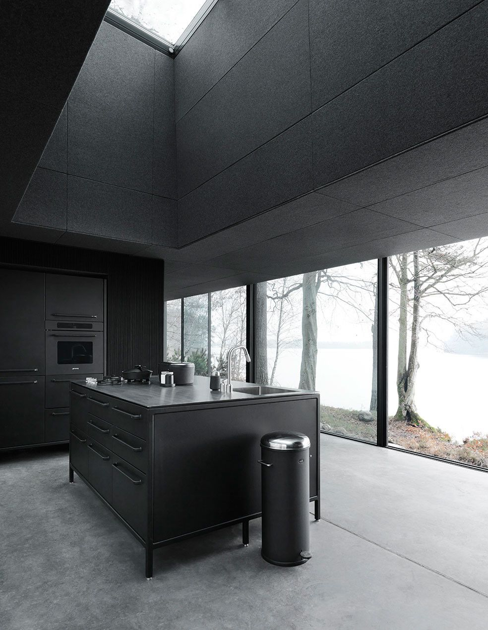 Vipp shelter black kitchen