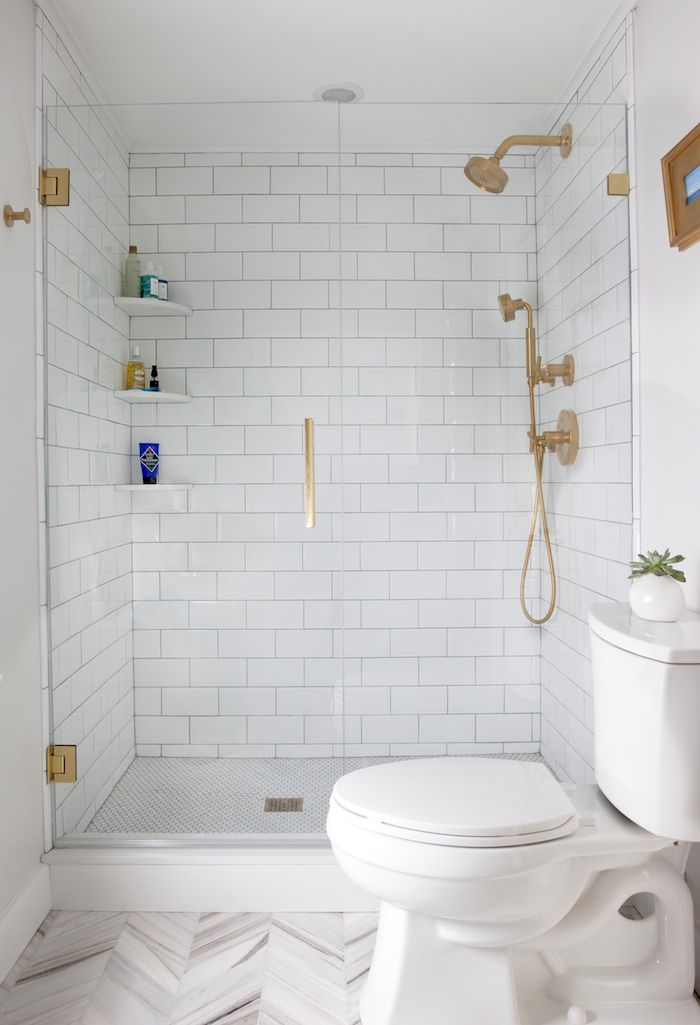 Exceptionnel Walk In Shower Design With Subway Tiles And Brass Accents
