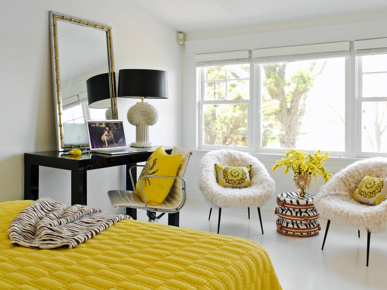 Yellow Accents for a bedroom