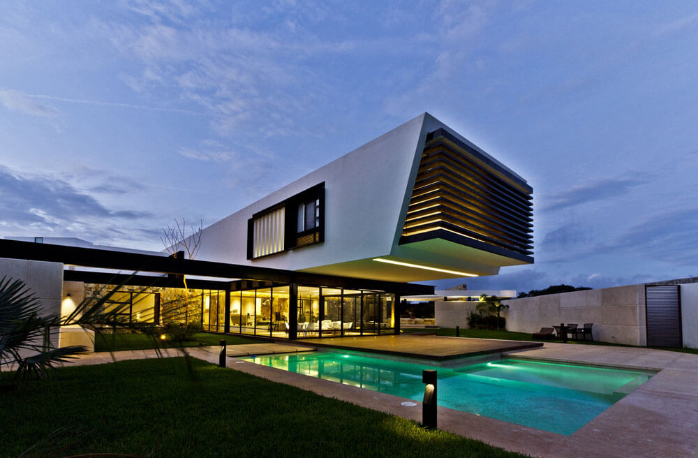 Yucatan cantilevered house outdoor pool