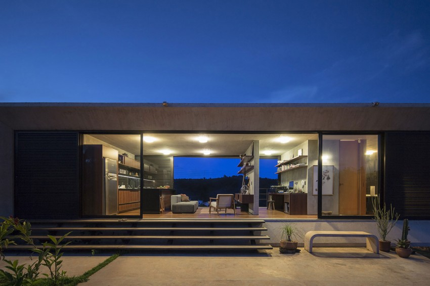 minimal house in brazil glass doors