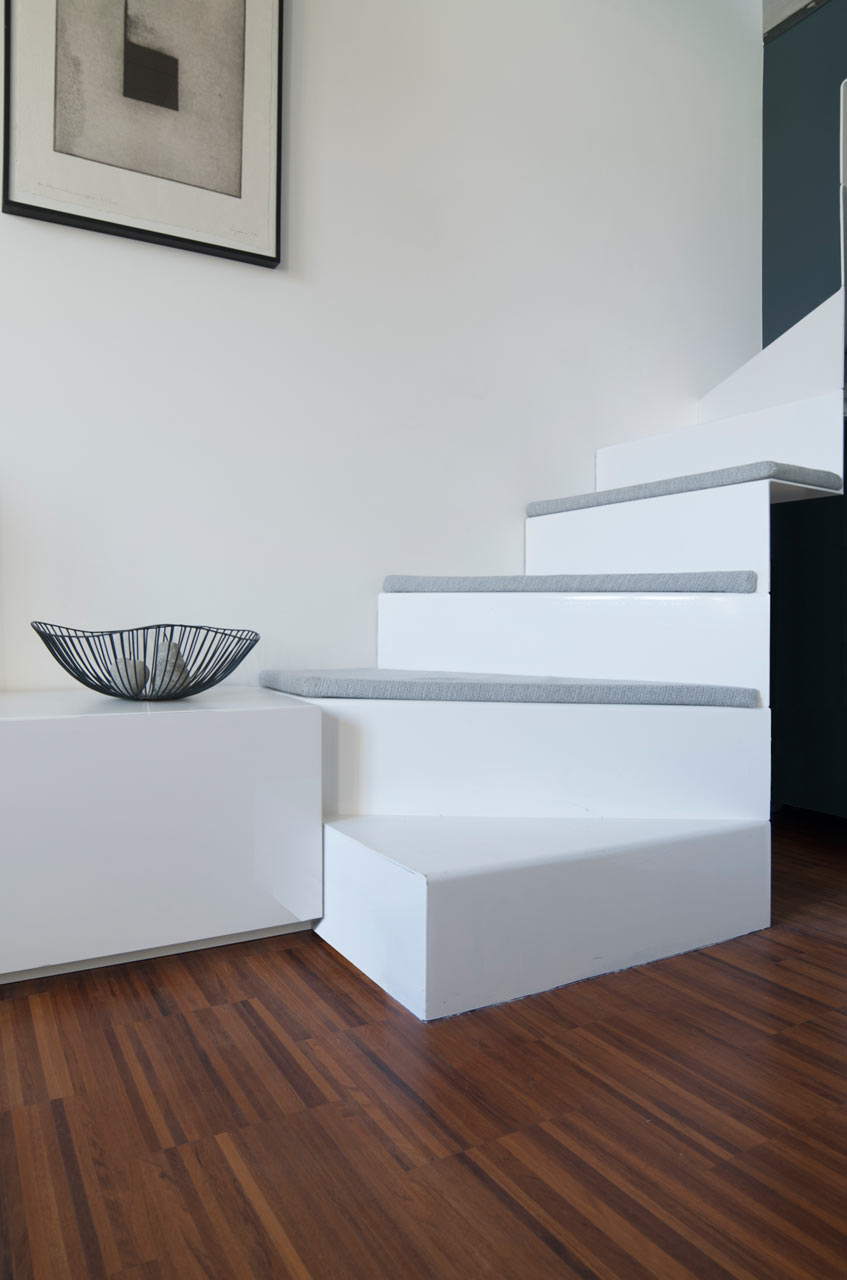small milan apartment staircase base