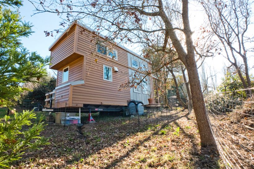 American web designer alek lisefski tiny house on wheels1