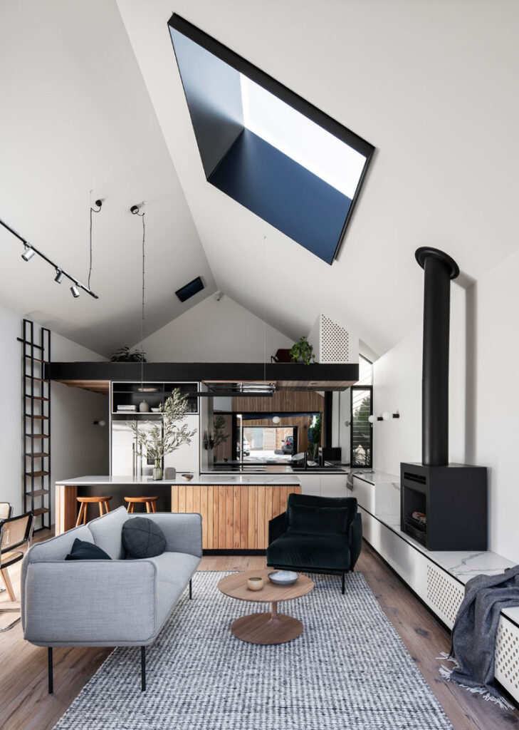 Pros & Cons to Vaulted Ceilings