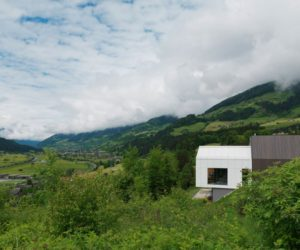Mountain Retreat Mimics The Landscape Around It