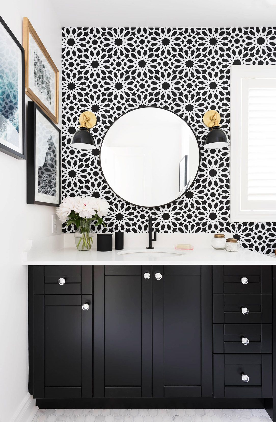 Beau Bathroom Black And White Wallpaper