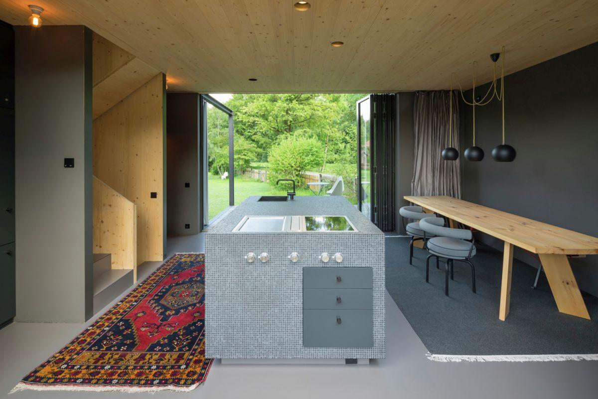Bavaria retreat kitchen island