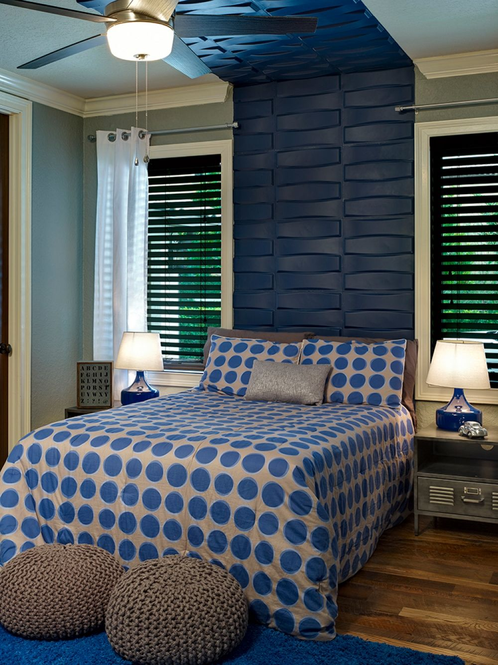 Bedroom with a architectural indigo headboard