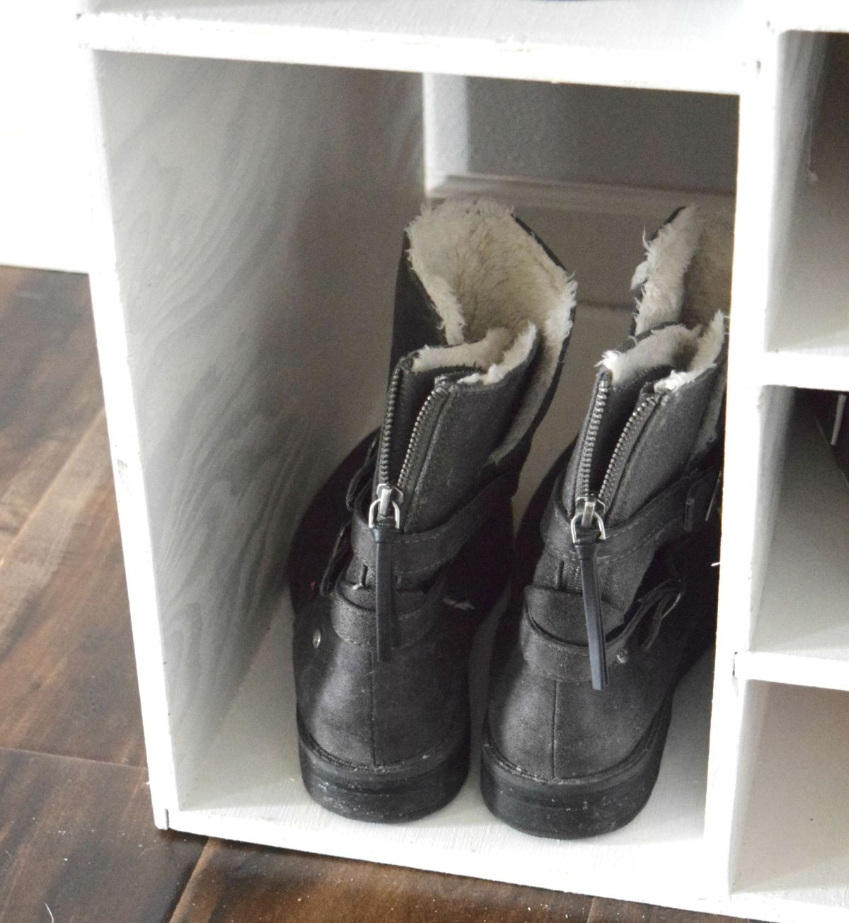Boot shoe shelves
