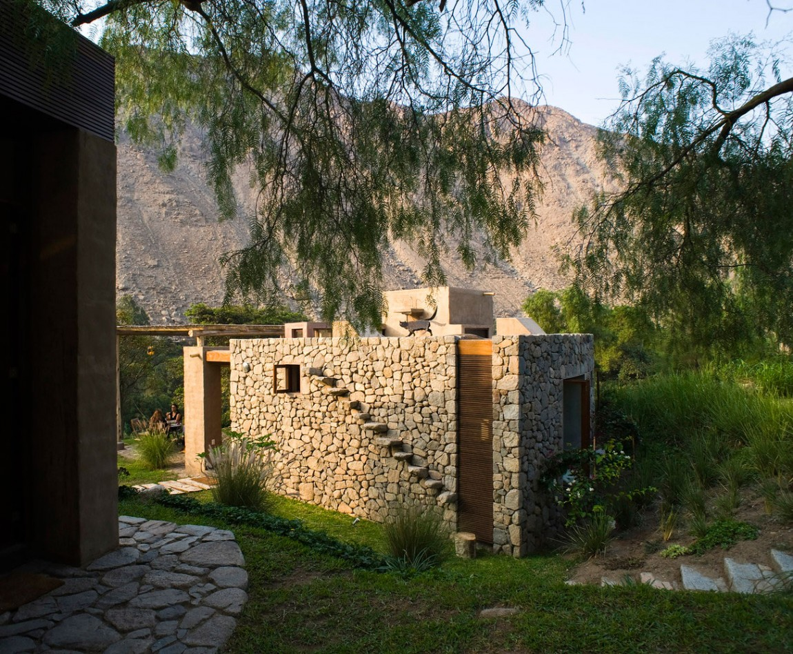 Casa Chontay exterior stone structure