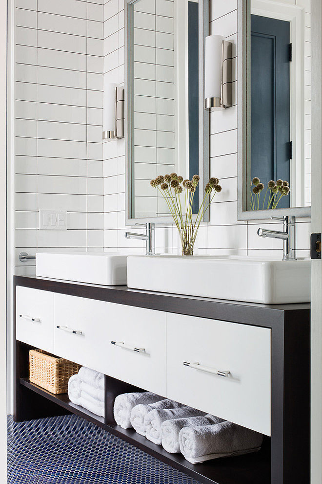 Classic lines and patterns for bathroom