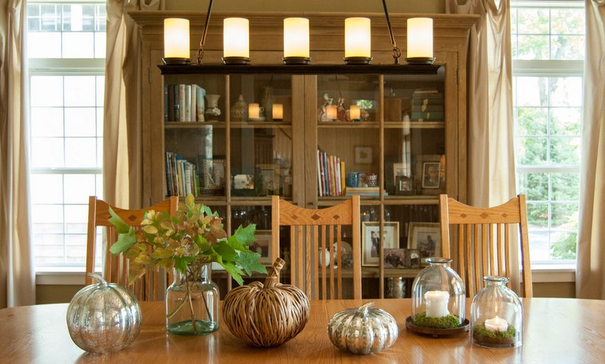 Dining room decorate for fall