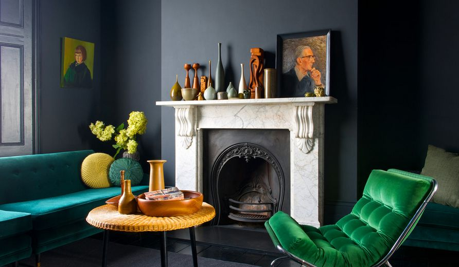 Dramatic dark color for living room