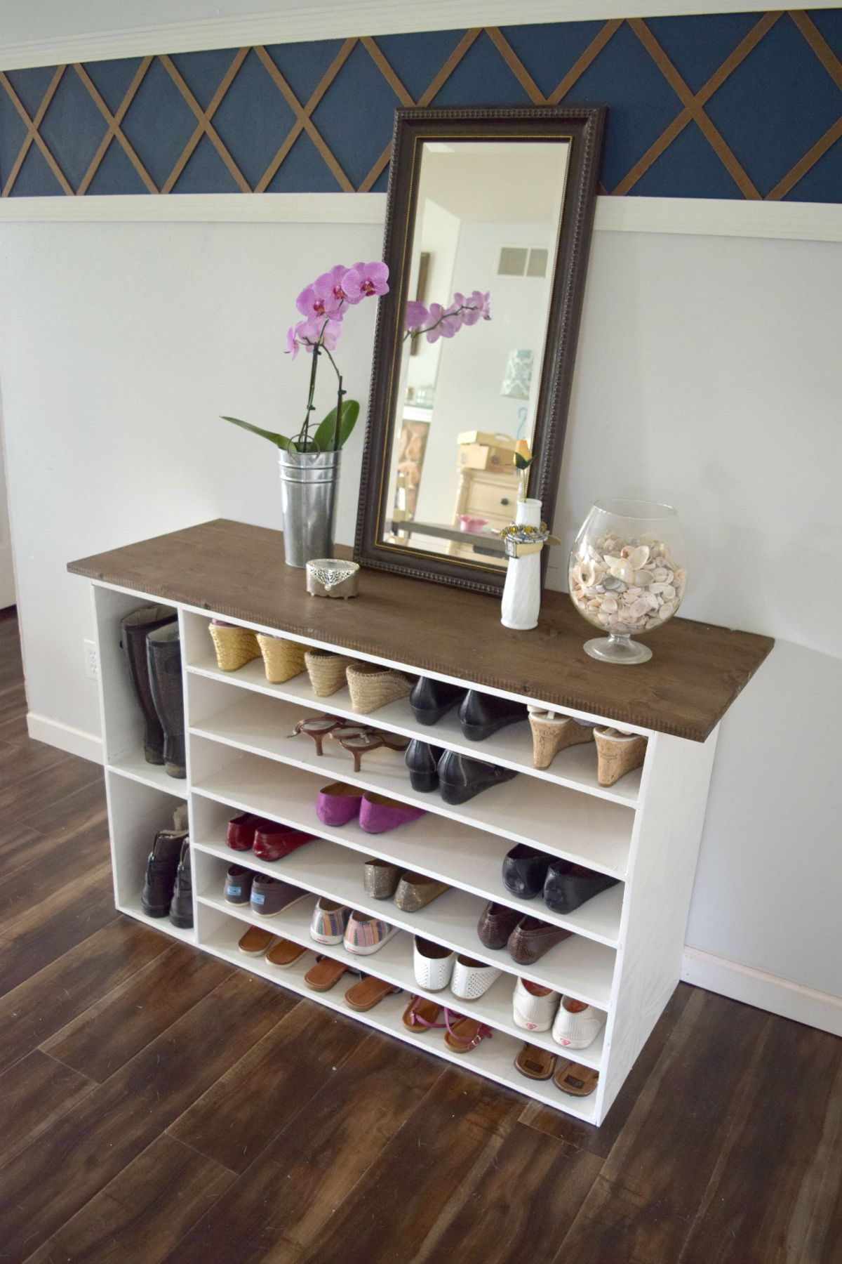 Stylish diy shoe rack perfect for any room entryway diy shoe rack solutioingenieria Image collections