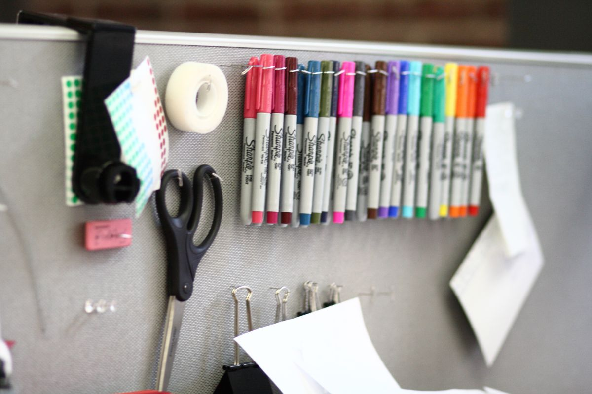 Incroyable Everyday Office Accessories Can Be Turned Into Art