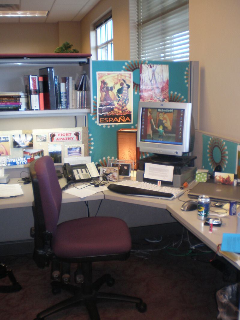 favorite pictures on your desk - Cubicle Design Ideas