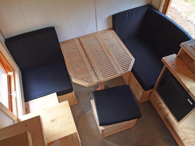 Gnomadik micro cottage sofa