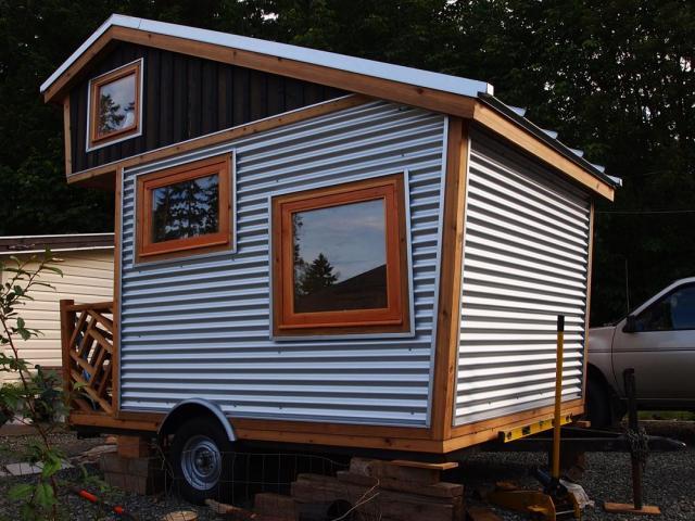 Gnomadik micro cottage