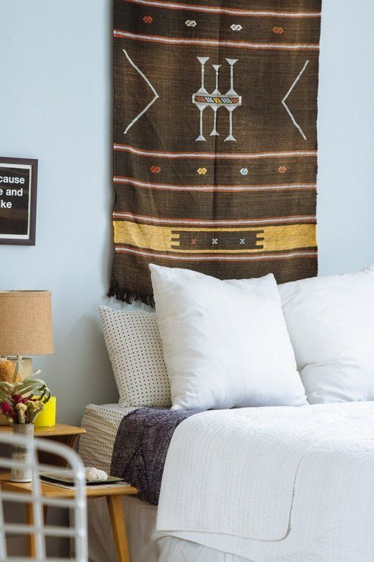 Hanging tapestry above The bed