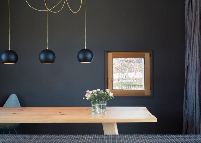 Holzhaus am Auerbach Pendant lamps over table
