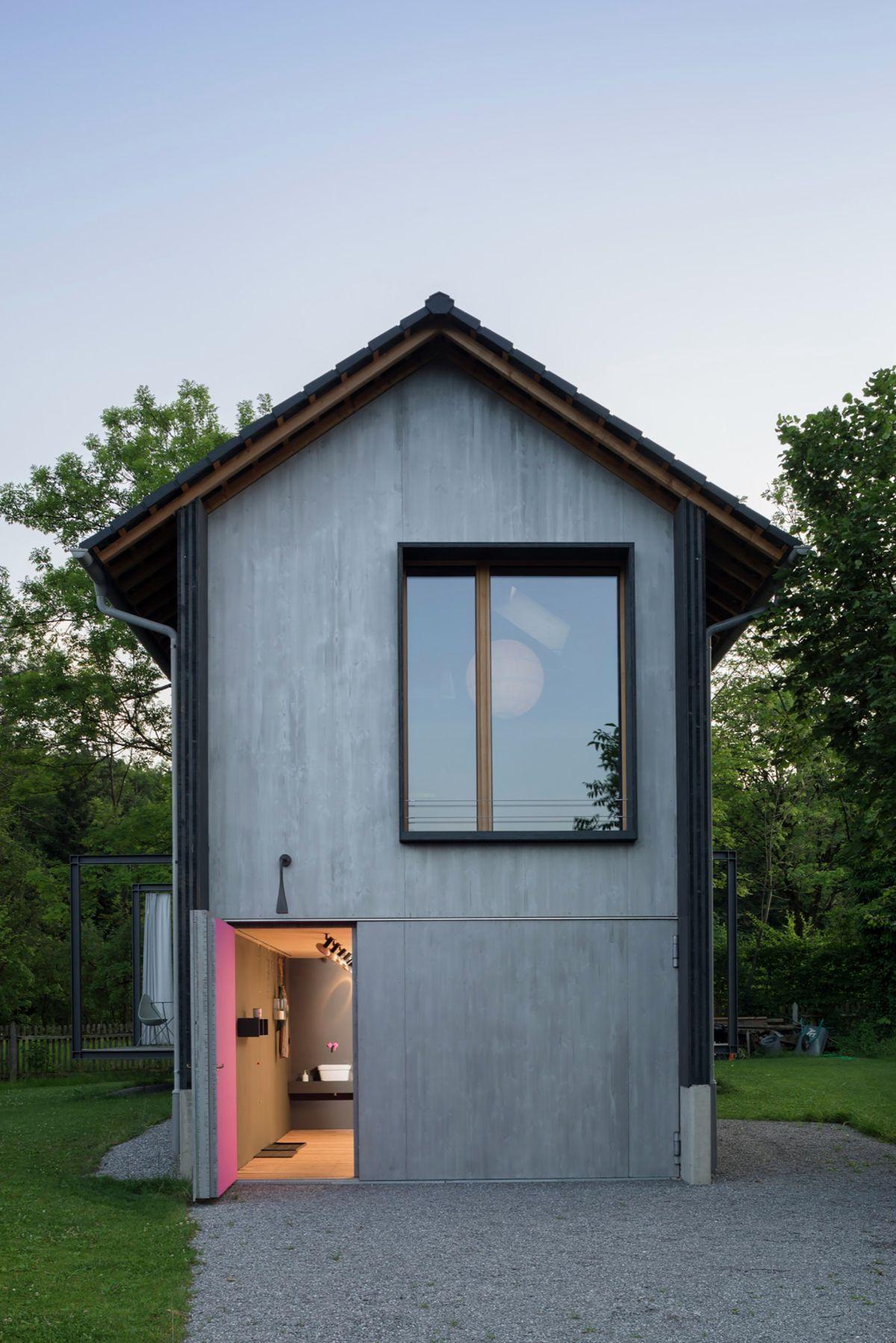 Holzhaus am Auerbach Pink Door