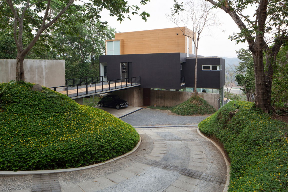 Mi3 residence El Salvador exterior and views