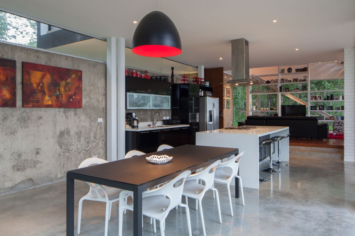 Mi3 residence El Salvador kitchen and dining