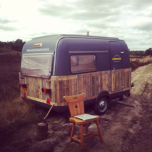 Live a big life in a tiny house on wheels - Home office mobel ...