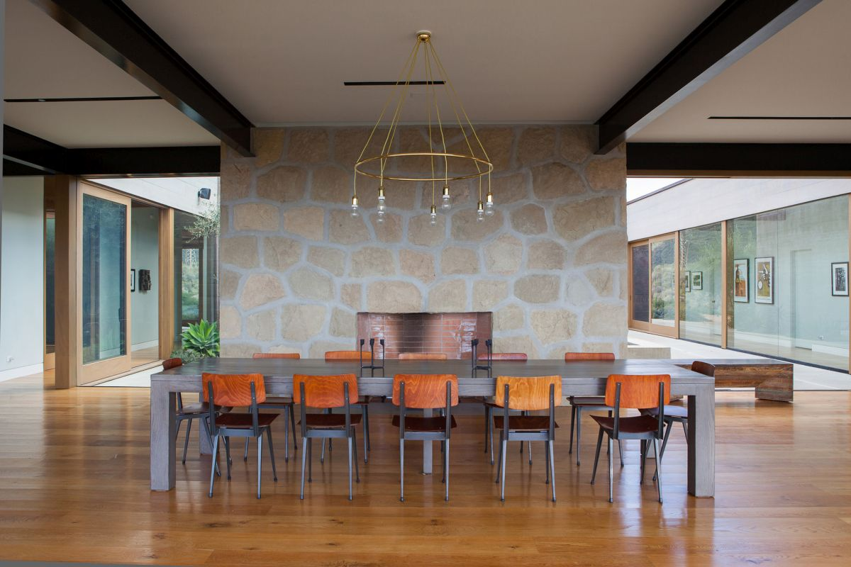 Modern Santa Barbara retreat dining room