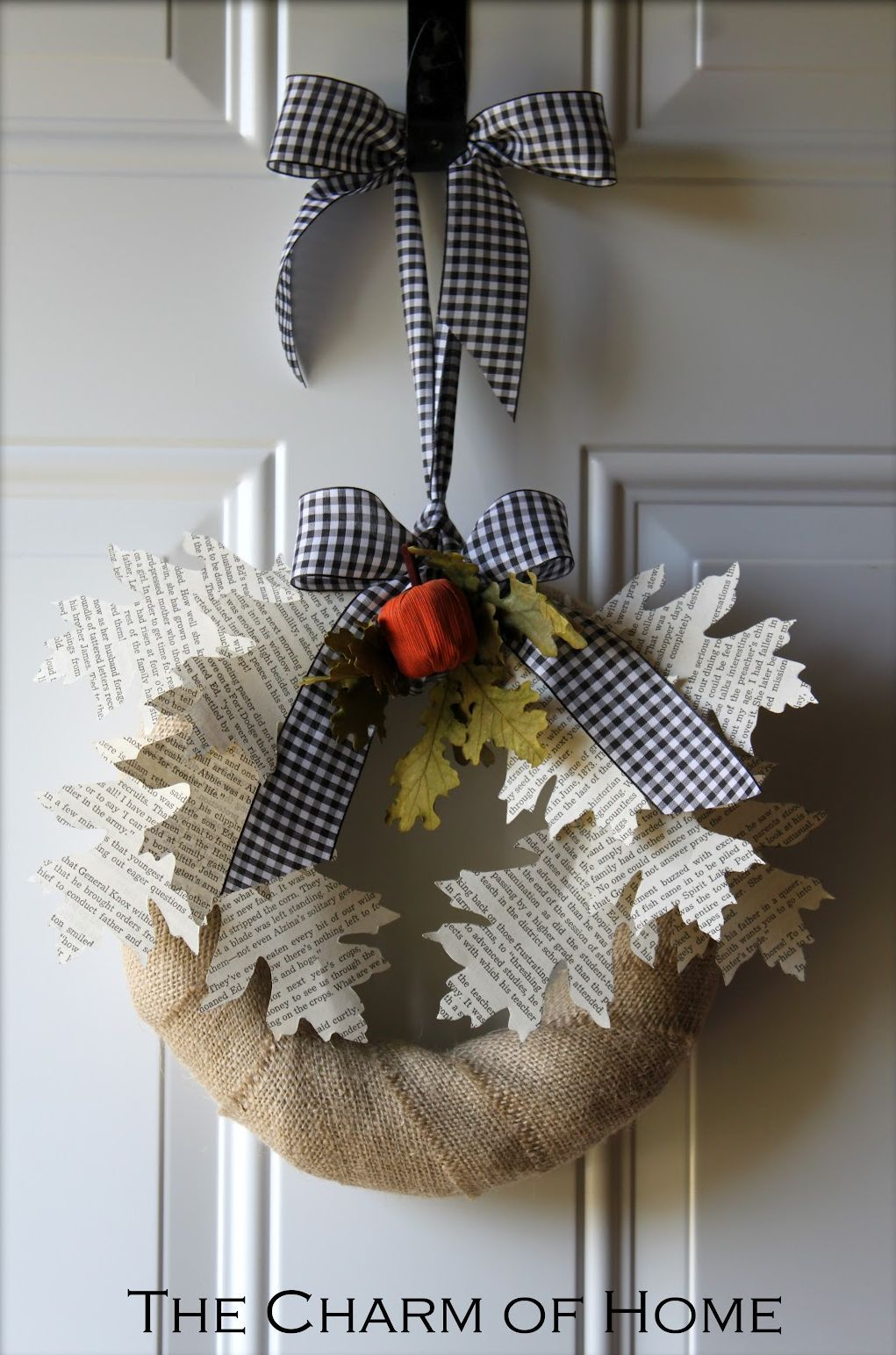 Paper and burlap wreath craft