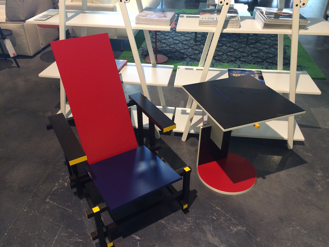 Red and Blue_Cassina
